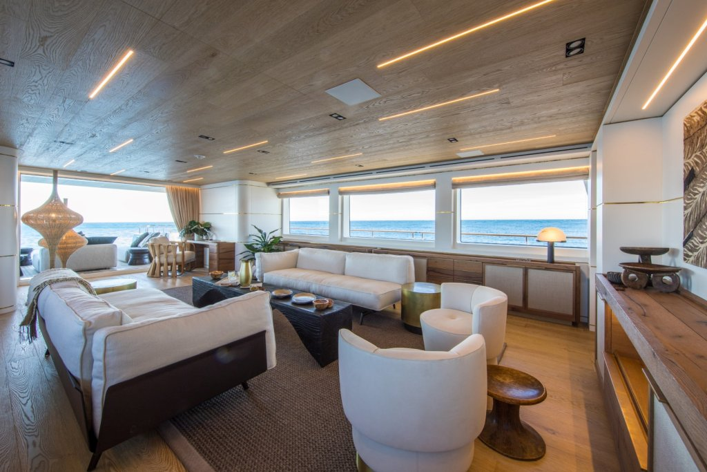 Il salone dello Yacht Mimì La Sardine, con Progenio