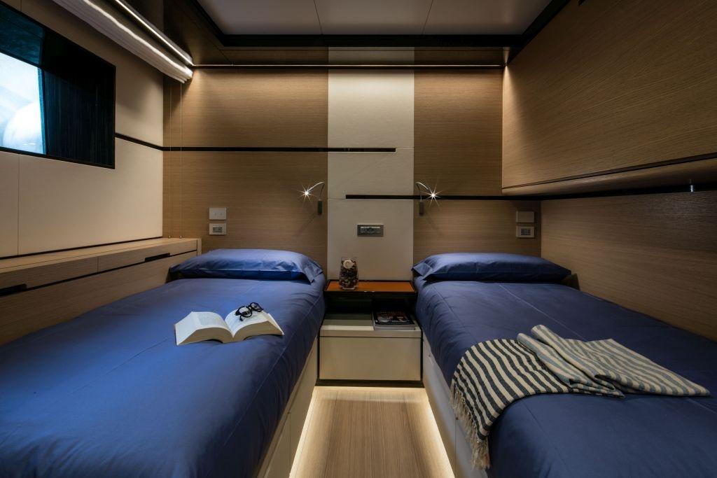 cabina ospiti di M Y Nauta Air by Pad Project studio arredi nautici